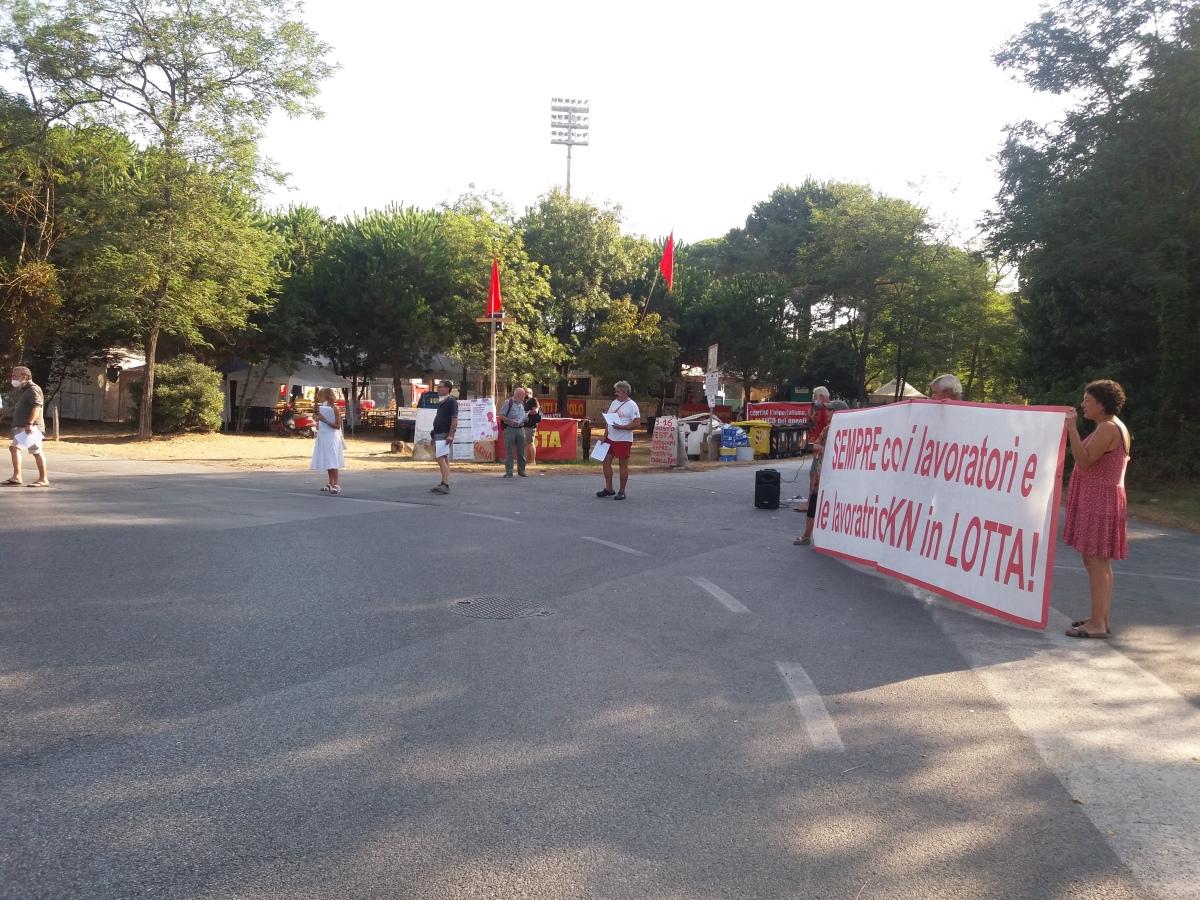 """Viareggio: """"Partigiani sempre"""" a sostegno dei lavoratori dellaGkn"""